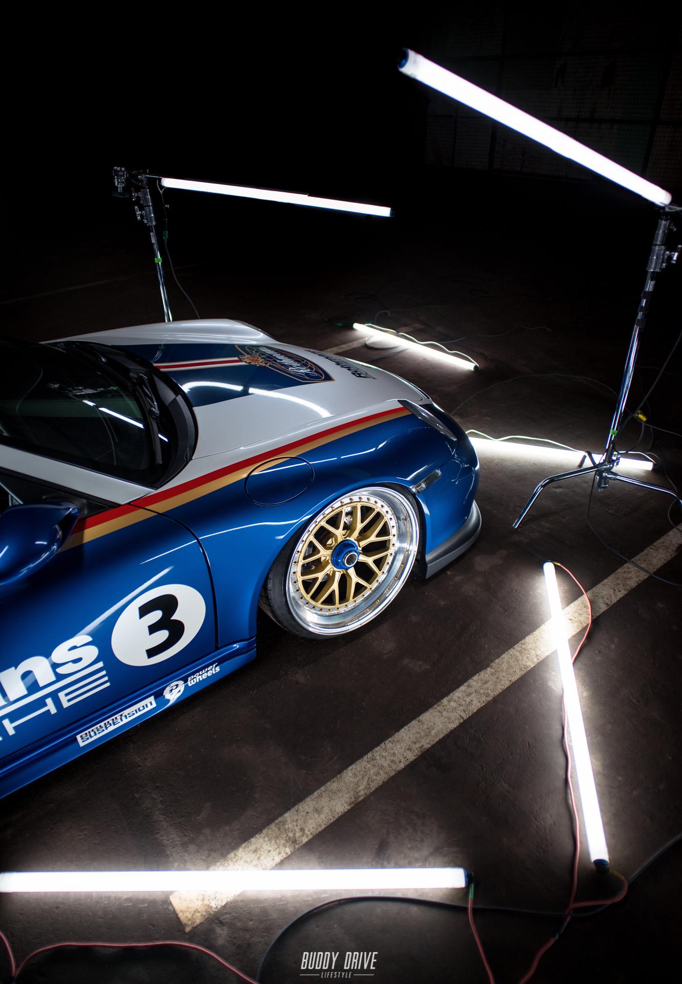 Фотосессия автомобиля Porsche 911 в Москве