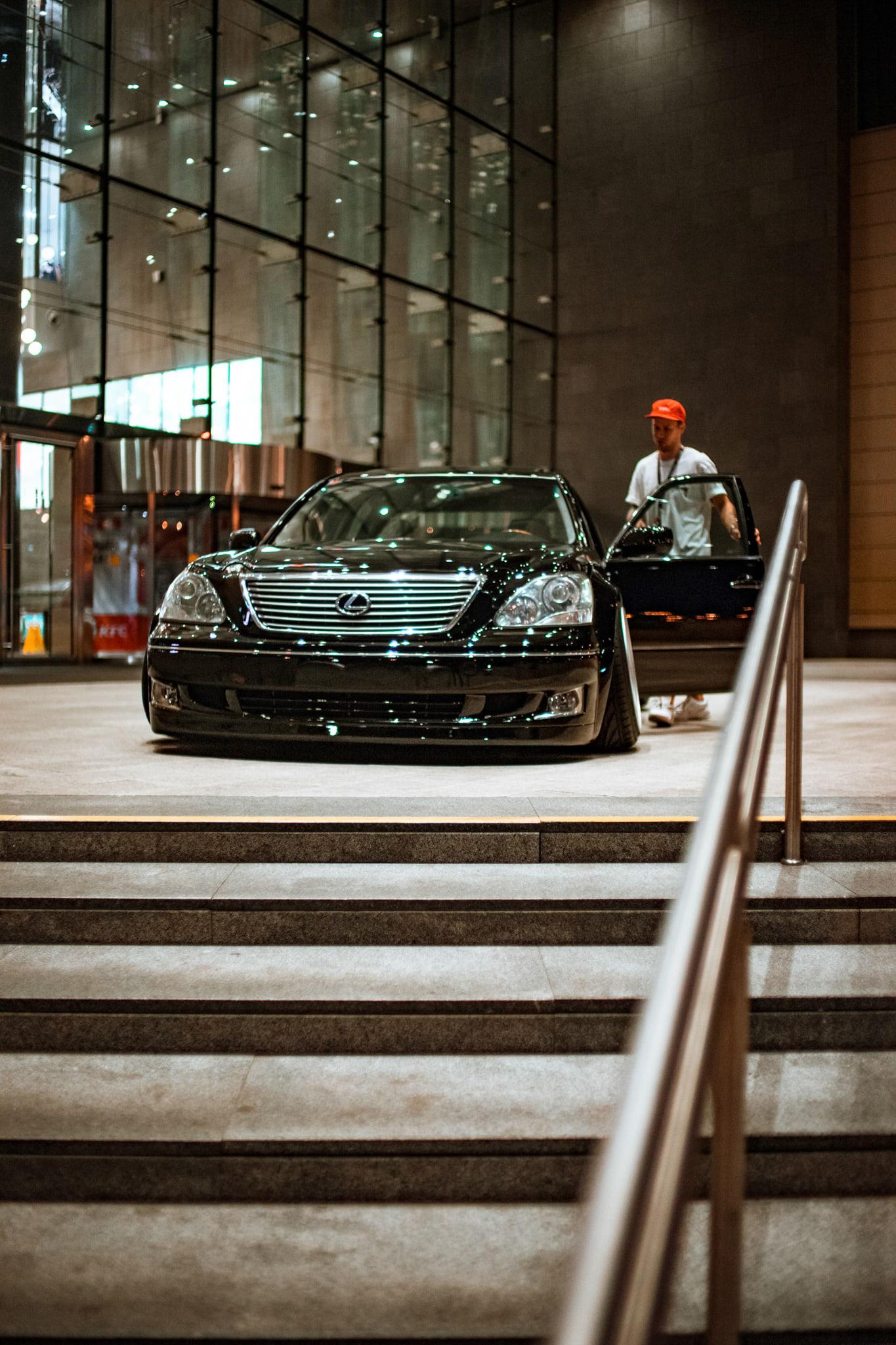 Lexus LS Halfroll